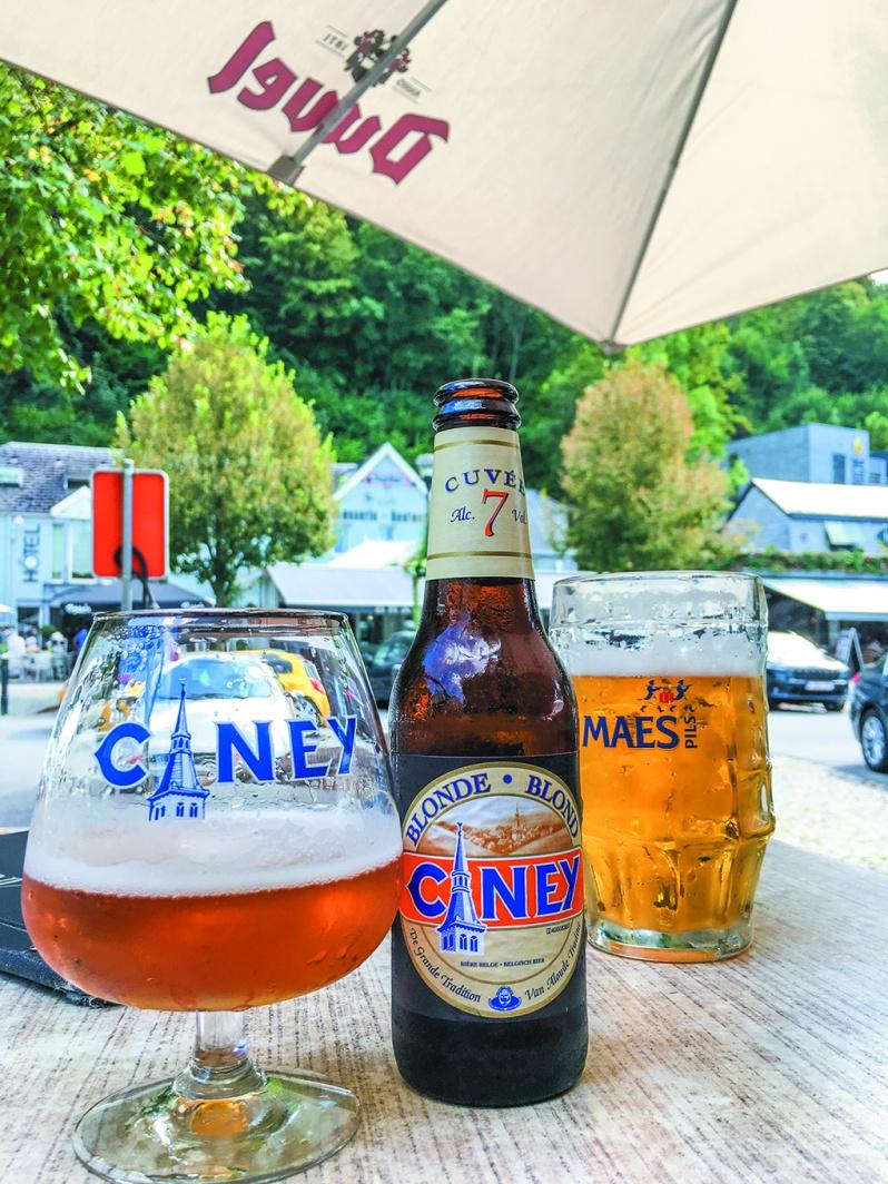 ベルギーと言えばビール。1200以上もの地ビールがあるこの国では土地によって味わいが異なるので飲み比べが実に楽しい。