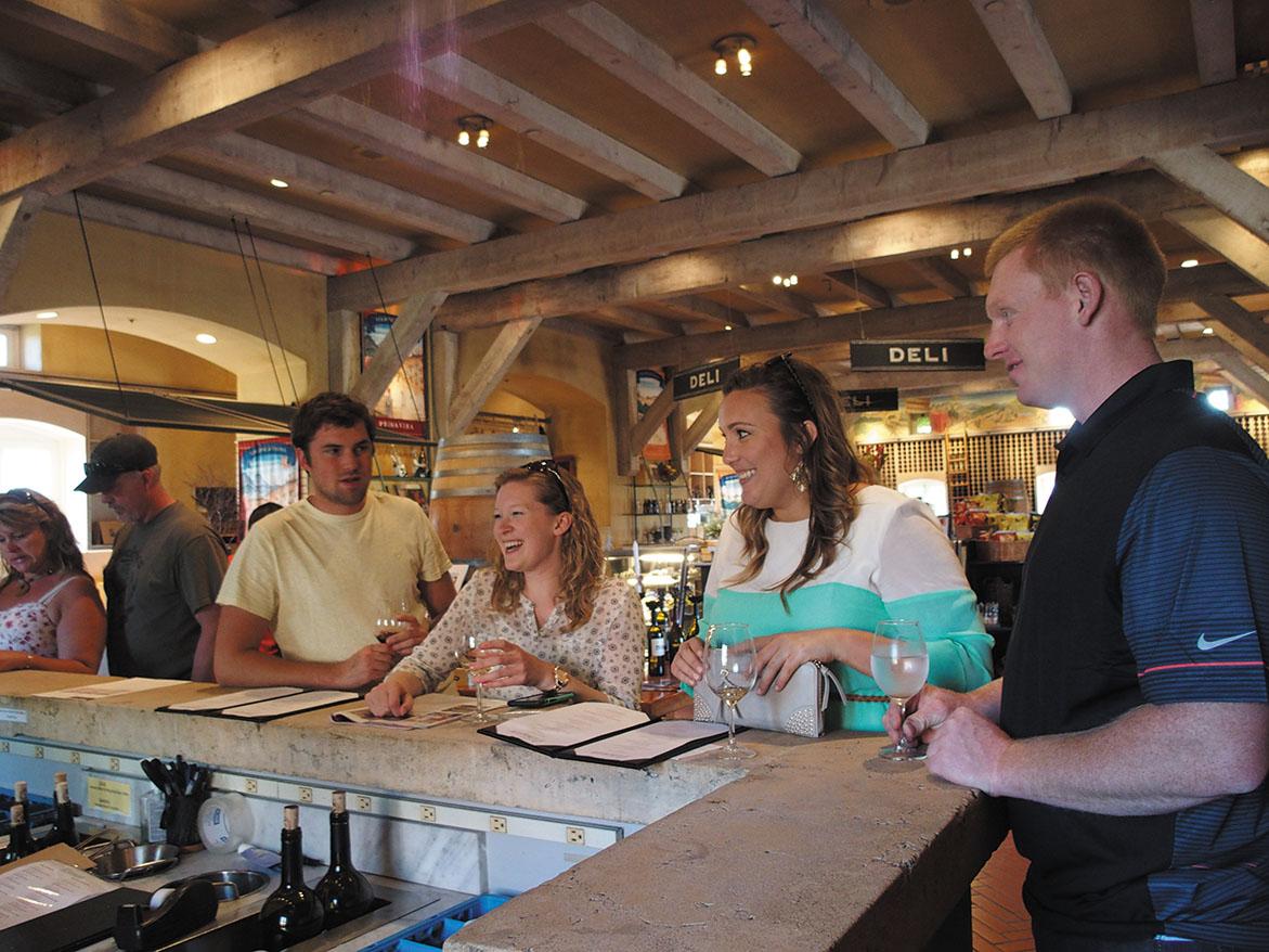 Viansa Winary ソノマにあるこちらのワイナリーはカジュアルなテイスティングルームが特徴。リーズナブルなワインを取り揃え