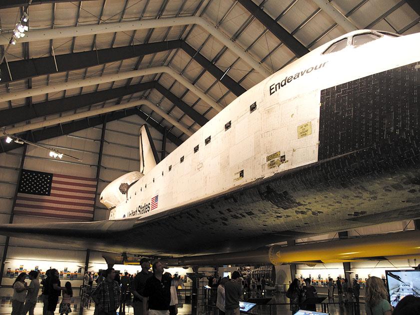 本物の宇宙船、エンデバーを間近でみられるなんて感激だ。(カリフォルニアサイエンスセンター http://californiasciencecenter.org)