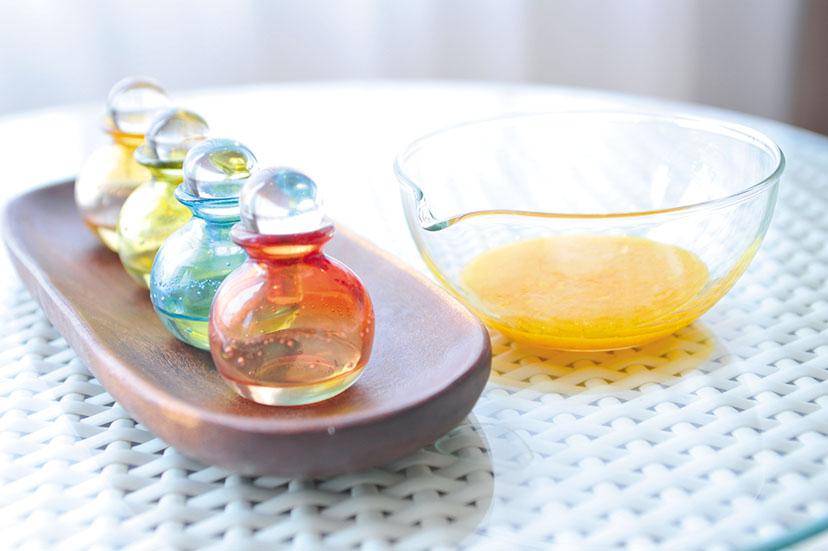 シトラススパトリートメント 太陽の恵みを受けたシトラスを使 用したリゾナーレ熱海限定の スパトリートメント。オレンジ の優しい香りに包まれながら、フェシャルとボディを癒す80分を。