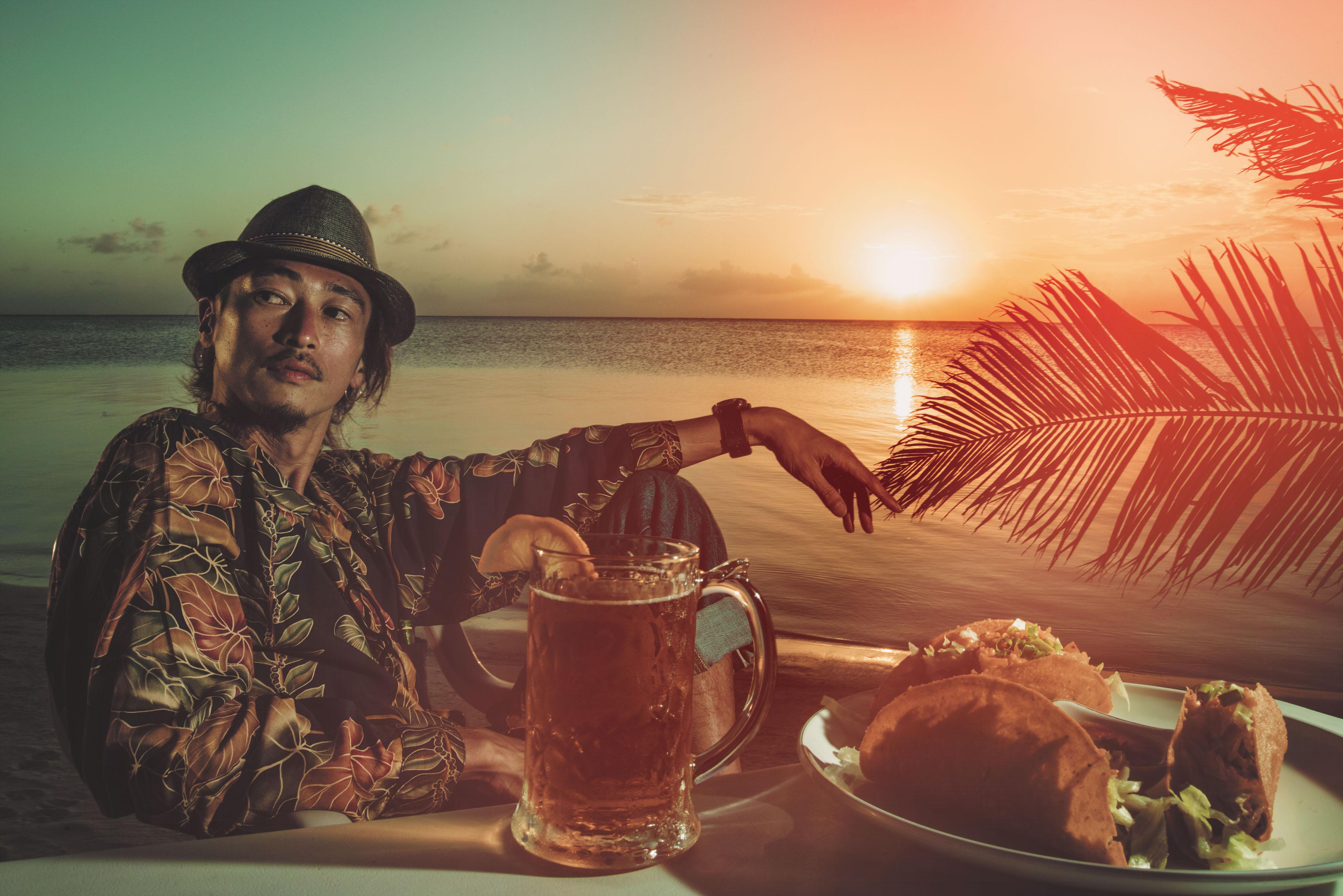 マニャガハ島を背景に望む遠浅のビーチはまさにサイパン島の宝石。